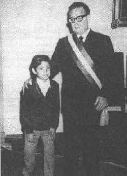Allende, the grandfather with his grandson, Gonzalo Meza.