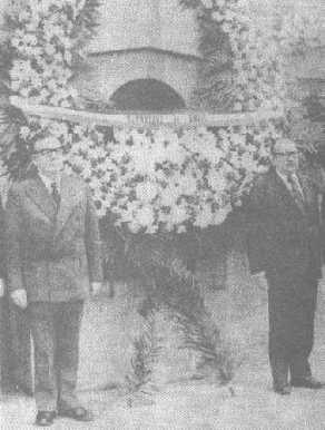 Chancellor Almeyda and President Allende in the Juárez Semicircle, DF, Mexico, 1972.