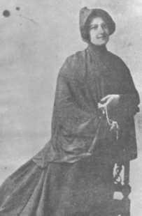 His mother: Laura Allende Gossens.